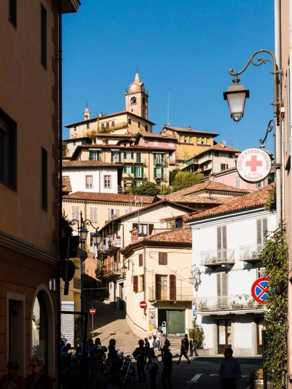 """En 2018, Monforte d'Alba se ganó un lugar en la exclusiva lista de """"I borghi più belli d'Italia"""", o """"Las aldeas más hermosas de Italia"""". (The New York Times)"""