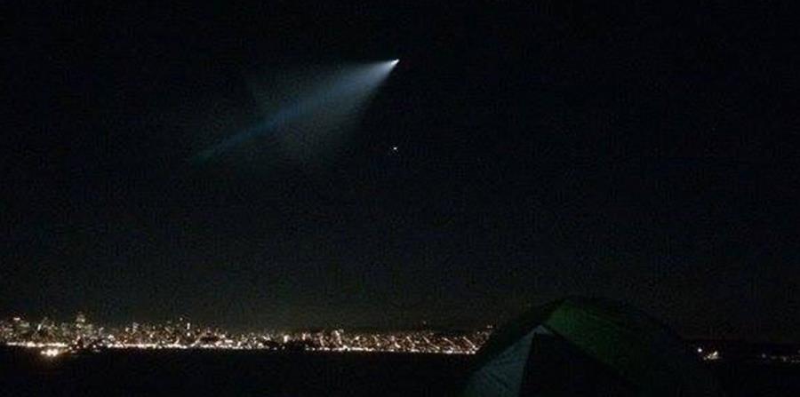 Confunden un misil con un Ovni en Los Ángeles