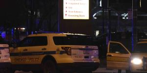Joven provoca caos al estrellar camioneta dentro de centro comercial de Estados Unidos