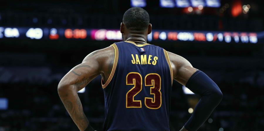 James superó a Kobe Bryant como tercer máximo encestador en la historia de los playoffs. (horizontal-x3)
