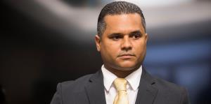 El representante Rodríguez Ruiz encara otra controversia