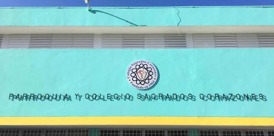 El colegio ubica en la avenida Esmeralda en Guaynabo. (Facebook.com) (horizontal-x3)