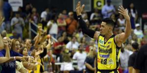 David Huertas quiere retirarse con los Capitanes en el BSN