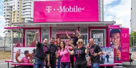 T-Mobile adelanta su regreso a Humacao con una tienda móvil