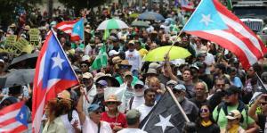 Manifestantes llevan sus reclamos hasta la Milla de Oro