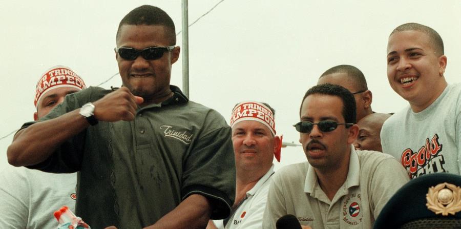 La primera ocasión que Tito Trinidad fue recibido en la isla fue cuando venció a Oscar de la Hoya en septiembre del 1999. La caravana duró cinco horas. (horizontal-x3)