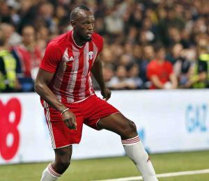 Usain Bolt intentará jugar fútbol profesional