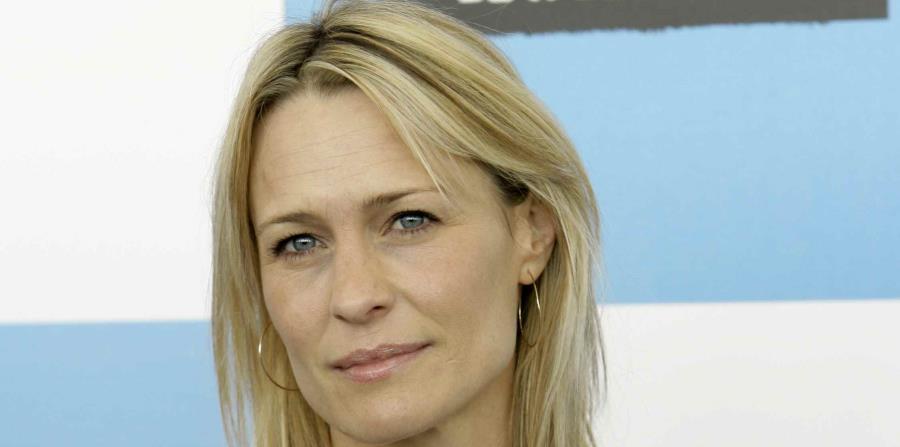 La actriz Robin Wright, quien interpreta a Claire Underwood (horizontal-x3)