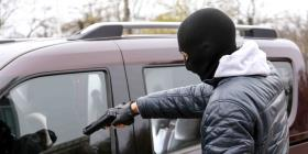 Encuentran causa para arresto contra un hombre por carjacking a chofer de Uber