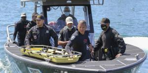 Mira cómo intentaron rescatar a los pasajeros de la avioneta accidentada en la bahía de San Juan