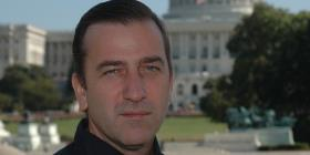 El periodista Pablo Gato publica una novela de ficción basada en una lucha real