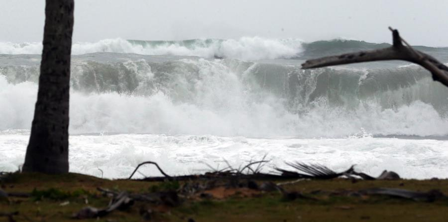 La fuerte marejada estará en su pico hoy (horizontal-x3)
