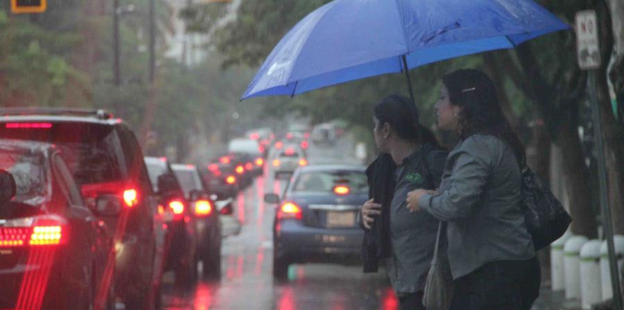 Estas lluvias, atribuidas a los efectos del calor diurno, podrían provocar inundaciones urbanas y subir los niveles de los riachuelos (horizontal-x3)