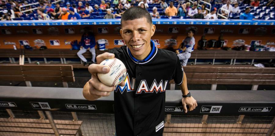 Rocky lanza la primera bola en Miami  345bc986c8b