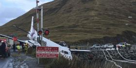 Una persona muere dentro de avión que salió de la pista en Alaska