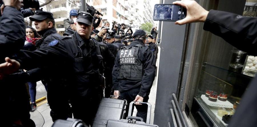 Hallan información de rivales y documentos históricos en el allanamiento a la casa de Cristina Kirchner (horizontal-x3)