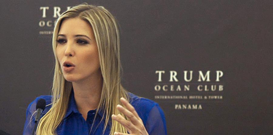 Ivanka Trump ha transferido sus activos a un fideicomiso administrado por familiares de su esposo, Jared Kushner, pero conserva la propiedad de la compañía y recibe pagos. (horizontal-x3)
