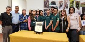Estudiantes logran que edificio de su escuela sea declarado lugar histórico