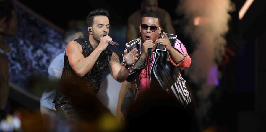 El éxito de Fonsi también lidera las listas Latin Digital Song Sales, Latin Streaming Songs, Latin Pop Songs y Latin Airplay de Billboard. (horizontal-x3)