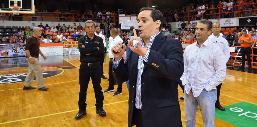 El pasado 14 de marzo, los Leonesse negaron a salir a jugar en San Germán, tras la suspensión de Carlos Arroyo. En la foto, el apoderado de Ponce, Jerry Misla. (Suministrada) (horizontal-x3)