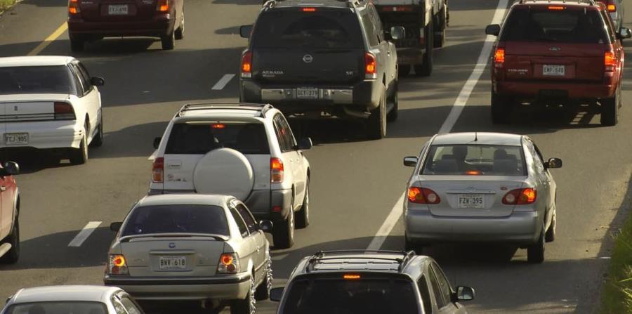 La congestión vehicular se extiende hasta el Túnel de Minillas. (GFR Media) (horizontal-x3)