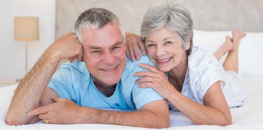 La intimidad satisfactoria es posible durante la menopausia (horizontal-x3)
