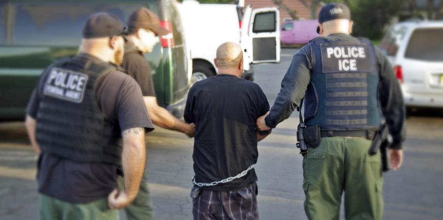 El personal de ICE hacía una investigación cuando observaron a dos hombres viajando a bordo de un auto reportado robado en San Juan. (horizontal-x3)