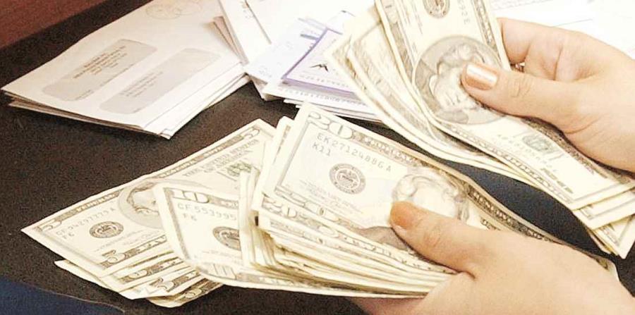 La IRA permite  deducir de la planilla de contribución sobre ingresos el 100% de las aportaciones. (horizontal-x3)
