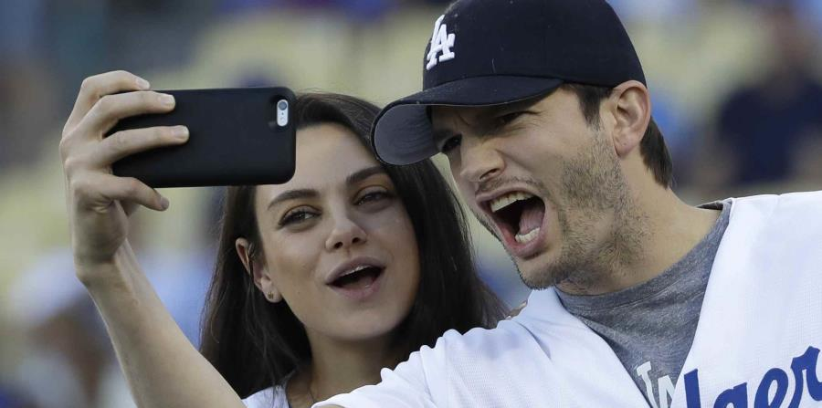 Mila Kunis y el actor Ashton Kutcher (horizontal-x3)