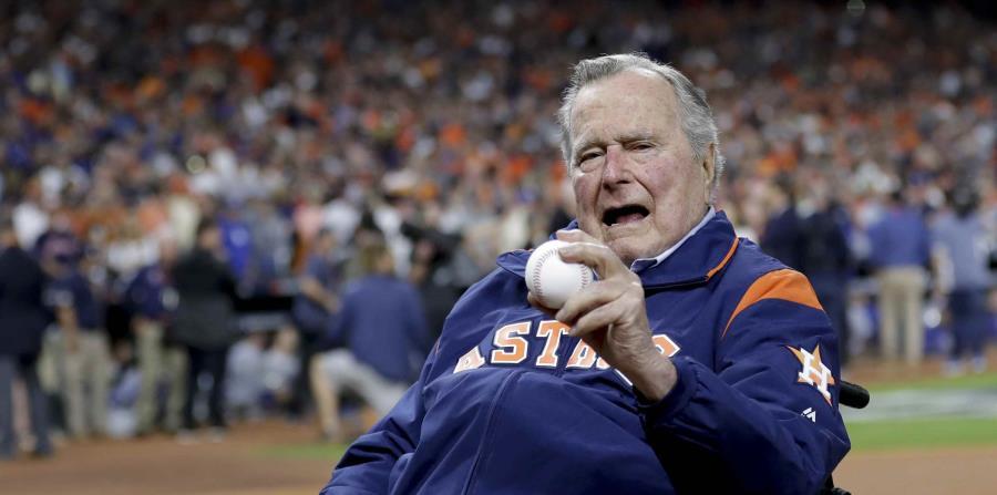 George Bush durante un partido de Los Astros de Houston. (AP) (horizontal-x3)