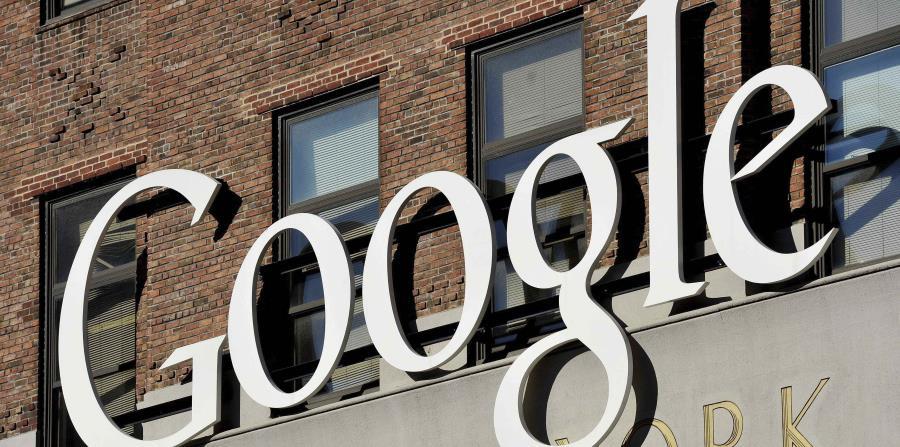 Vista del logotipo de Google, en la sede de su empresa en Nueva York (horizontal-x3)