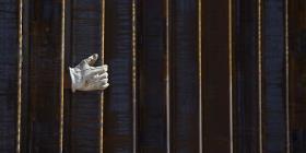 Avanza la construcción del muro fronterizo en Texas
