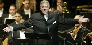 Plácido Domingo enfrenta denuncias de acoso sexual