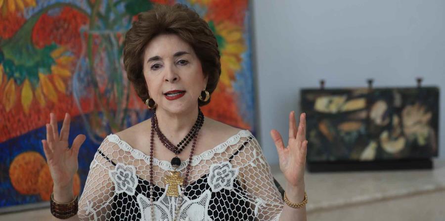 Sila María Calderón (horizontal-x3)