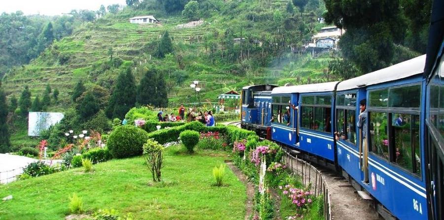 Los trenes de vapor de vía estrecha de la India son legendarios. (Suministrada)