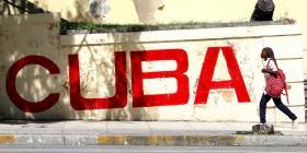 Médicos cubanos regresan a su país desde Bolivia y Ecuador