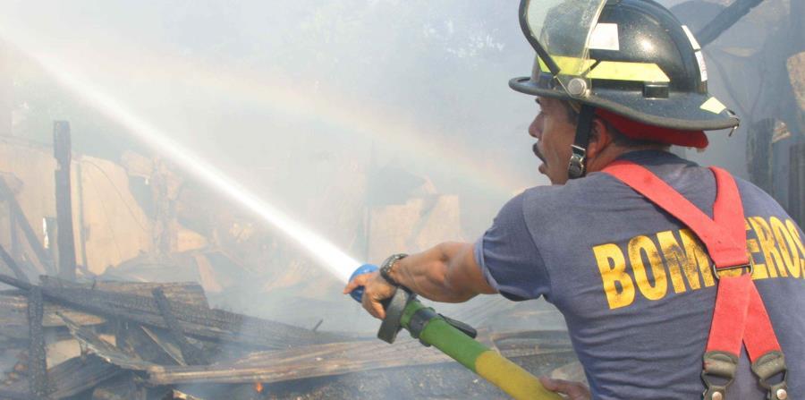 El fuego en la farmacia Walgreens que ubica en el centro comercial Norte fue apagado rápidamente por los bomberos.El incendio empezó a eso de las  9:00 a.m., según una llamada a través del sistema de emergencias 911, que fue catalogado como malici (horizontal-x3)
