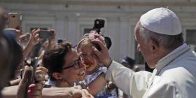 El papa Francisco expresa pesar por la muerte de un padre y su hija en el río Bravo