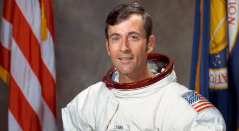 El astronauta John Young muere a los 87 años