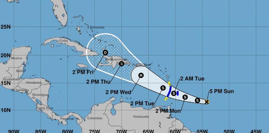 Resultado de imagen para Centro de Huracanes mantiene vigilancia sobre el paso de Dorian