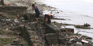 Impactantes imágenes de los estragos del tsunami en Indonesia