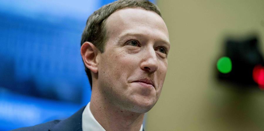 El director general de Facebook, Mark Zuckerberg, declarando ante el Congreso federal, el 11 de abril de 2018. (horizontal-x3)