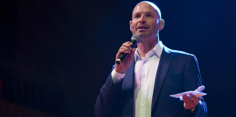 Troy Justice, director senior de operaciones internacionales de baloncesto para la NBA. (horizontal-x3)