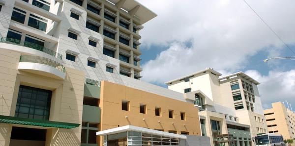 UPR adeuda más de seis meses en repagos a administradora de Plaza Universitaria
