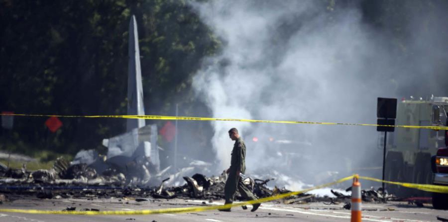 Nueve tripulantes puertorriqueños fallecieron en el accidente del C-130 en Savannah, Georgia. (EFE / Stephen B. Morton) (horizontal-x3)