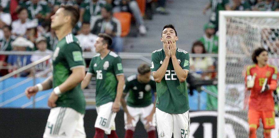 Hirving Lozano, de México, reacciona durante el partido contra Suecia. (AP) (horizontal-x3)