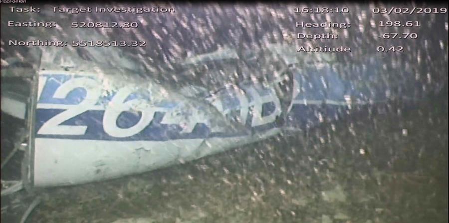 Vista de la parte trasera del fuselale de la avioneta en la que viajaba el futbolista. (horizontal-x3)
