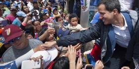 Investigan a dos allegados de Guaidó por corrupción
