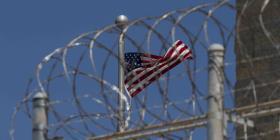 Creador de torturas de la CIA enfrenta a acusados del 9/11