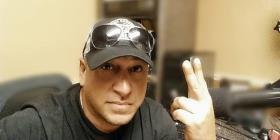 El reconocido locutor Fernando Negrón sale de la emisora 1030 AM en la Florida Central